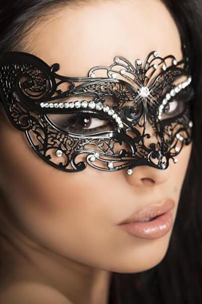 Maske Ornament