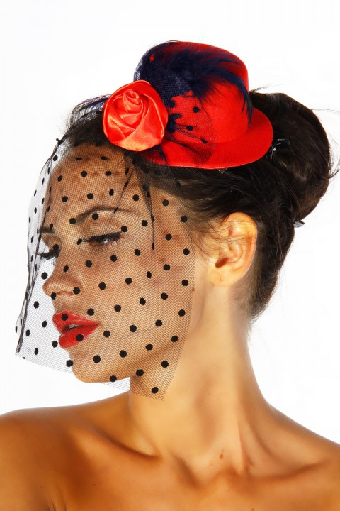 Rockabilly Fascinator in rot