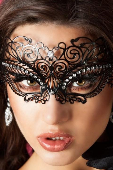 Maske mit Steinchen
